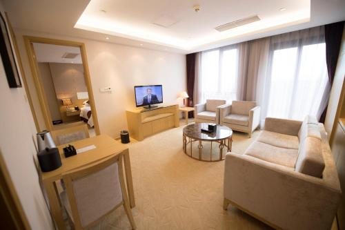 Suzhou Sun Plaza Hotel photo 45