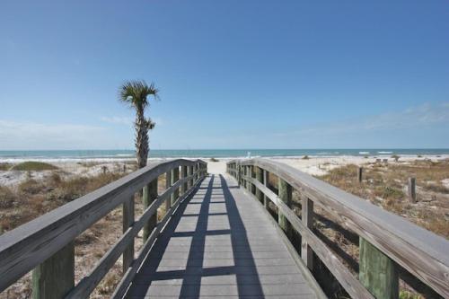 128 Bayview Villas - Indian Rocks Beach, FL 33785