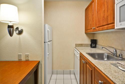 Homewood Suites by Hilton Newark-Wilmington South Area - Newark, DE DE 19713