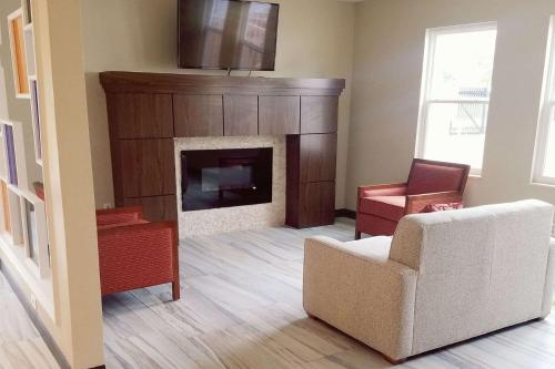Hawthorn Suites By Wyndham Indianapolis North - Indianapolis, IN 46268