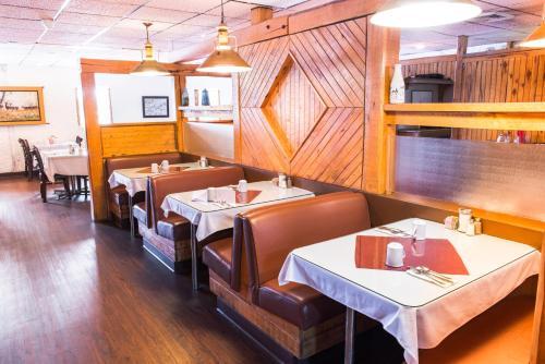 Days Inn by Wyndham Portage La Prairie - Portage La Prairie, MB R1N 3C3