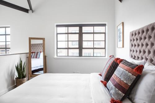 Two-Bedroom Penthouse on Loyola Avenue Apt 801 by Sonder - New Orleans, LA 70112