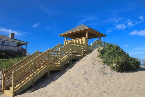 . Oceanside Court by KEES Vacations