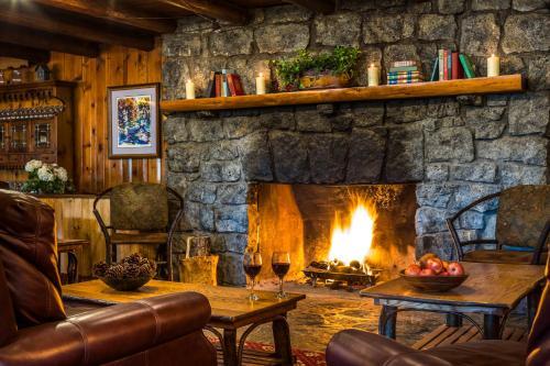 Garnet Hill Lodge - Accommodation - North River