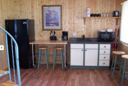 Hookers Resort Cabin Home 3 - Hotel - Portage