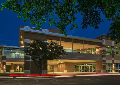 208 Barton Springs Austin, Texas, 78704, United States.