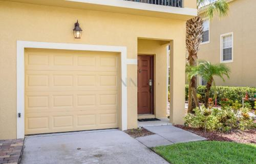 Two Bedroom Townhouse In Oakwater Resort 27ow73 - Kissimmee, FL 34747