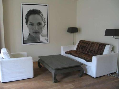 Prince Apartments photo 5