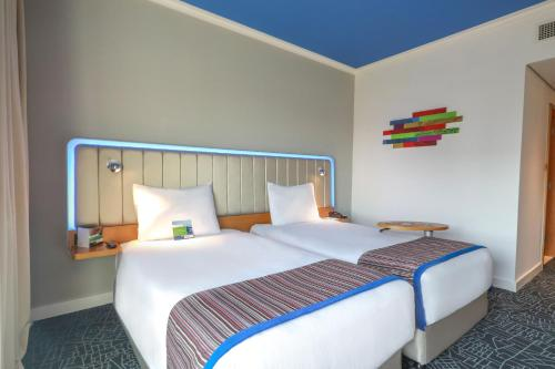 Park Inn by Radisson Abu Dhabi Yas Island photo 9