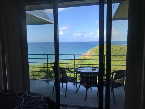 . Regatta Point Studio Ocean view