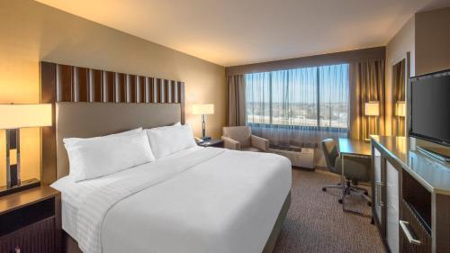 Holiday Inn Denver Lakewood - Lakewood, CO 80227