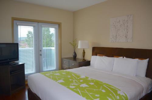Sunset Resorts Canmore and Spa - Canmore, AB T1W 3G1