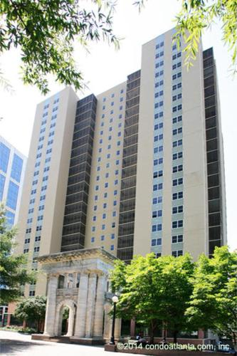 Simple Beauty Downtown Condo Sleeps 4 (14n) - Atlanta, GA 30308