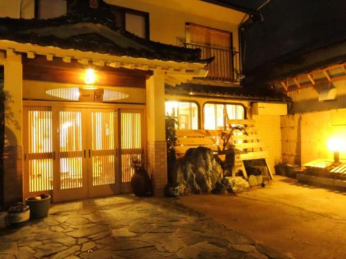阿祖马日式旅馆