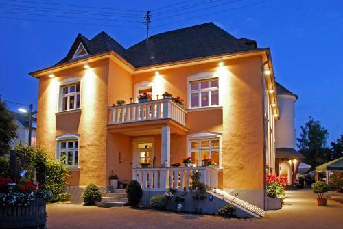. Weingut und Gästehaus Apel