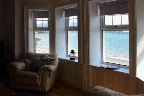 . Beach Fronted Apartments Warrenpoint, Carlingford Bay