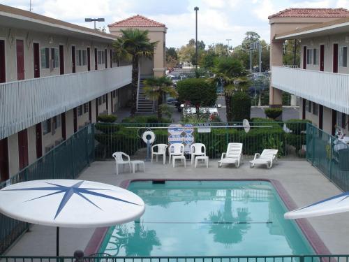 Dream Inn - Fresno, CA CA 93726