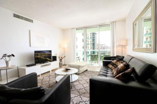 1 Bedroom Condo On The Beach - Hollywood, FL 33019
