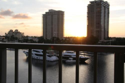 . 6-502 Amazing Water View - Three Bedrooms
