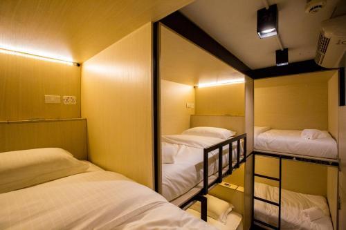 Bed to Bangkok photo 2