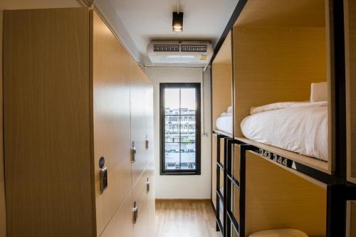 Bed to Bangkok photo 10