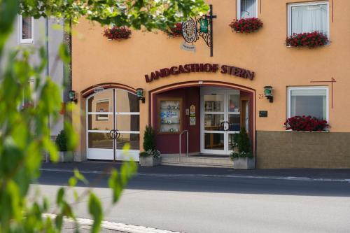 Landgasthof Zum Stern - Hotel - Hammelburg- Obererthal