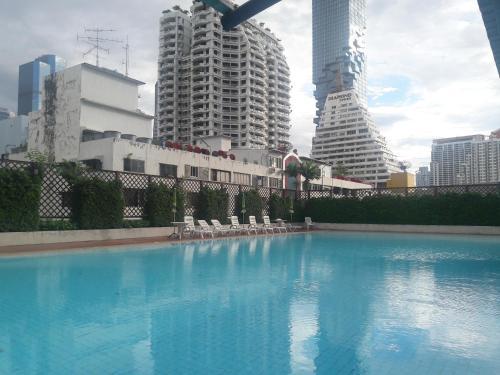 Oasis condominium, Bang Rak