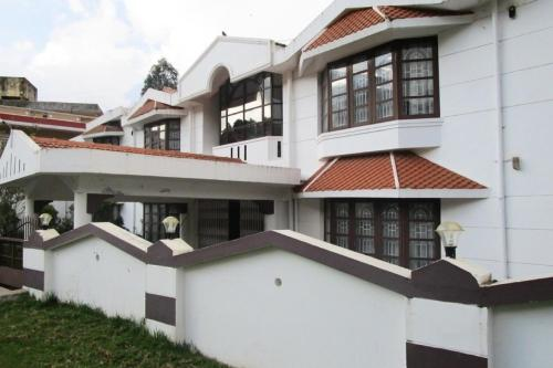 2-BR homestay in Upper Bazaar, Ooty, by GuestHouser 20346
