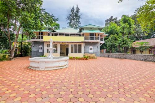 Boutique stay with parking in Khandala, by GuestHouser 50645