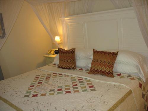 Duval Gardens - Key West, FL 33040