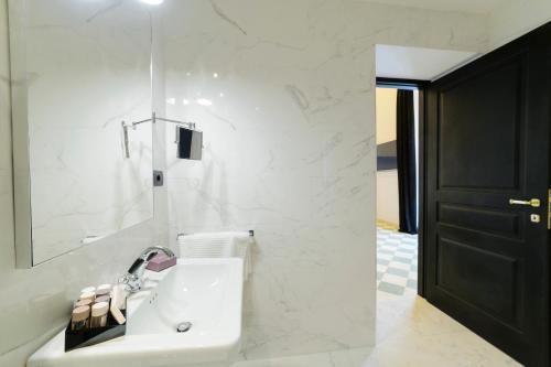 Roma Luxus Hotel photo 49