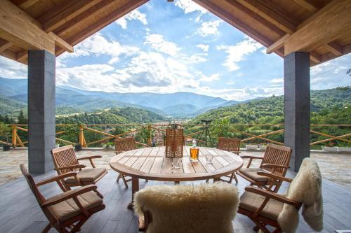 . Green Hill Luxury Villa