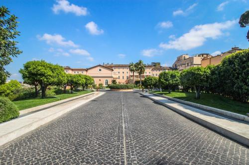 Via Del Gianicolo 3, Rome, 00165, Italy.
