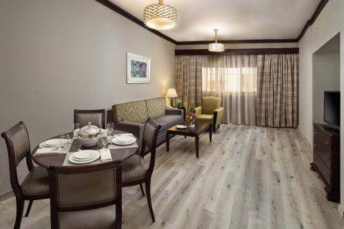 Savoy Crest Hotel Apartment