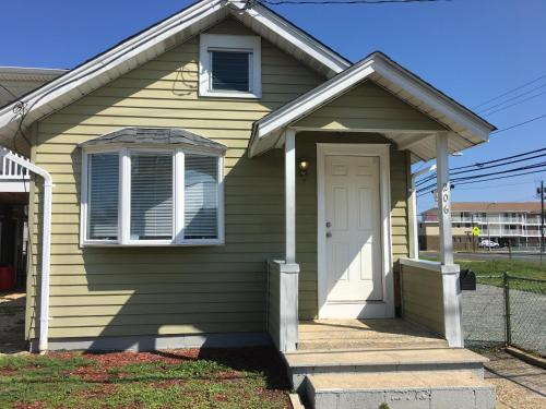 Newly Renovated 2 Bedroom House