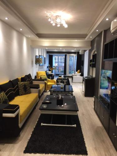. Luxury Mohandeseen Apartment