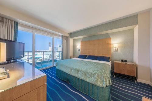 Ala Moana Hotel 1207 One-Bedroom Ocean - Honolulu, HI 96814