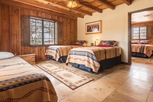 White Stallion Ranch, 9251 W Twin Peaks Rd, Tucson, AZ 85743, United States.