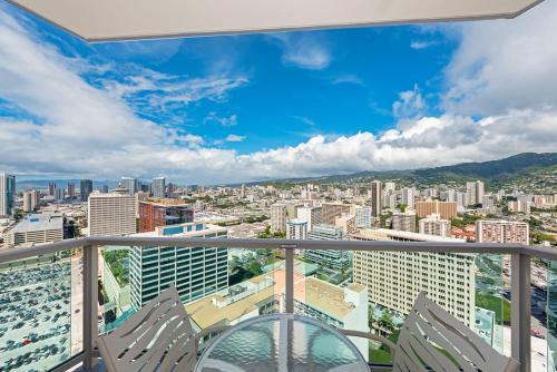 Ala Moana Hotel 3326 Two-Bedroom Royal Executive - Honolulu, HI 96814