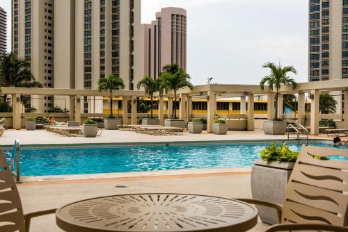 Ala Moana Hotel 1508 Studio Ocean - Honolulu, HI 96815