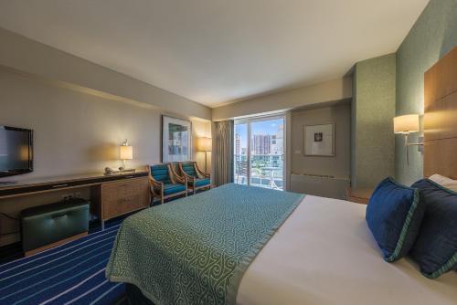 Ala Moana Hotel 1316 Studio Ocean - Honolulu, HI 96814