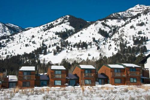 Eagles Rest Condominiums