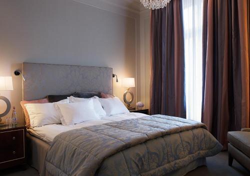 Grand Hôtel, Södra Blasieholmshamnen 8, SE 103 27 Stockholm, Sweden.