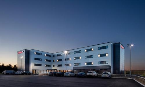 . Hampton By Hilton Humberside Airport