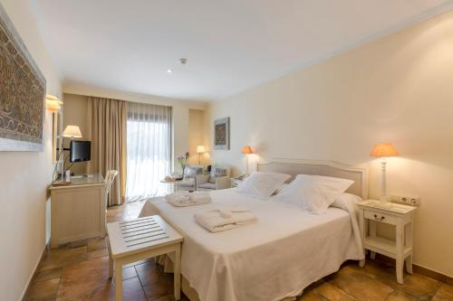 Double or Twin Room with Sea View - single occupancy La Posada del Mar 15