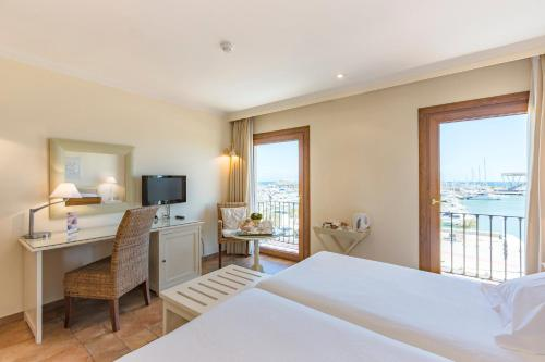Double or Twin Room with Sea View - single occupancy La Posada del Mar 16