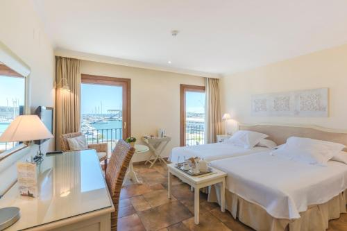Double or Twin Room with Sea View - single occupancy La Posada del Mar 12