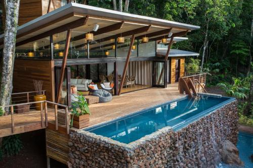 . The Resort at Isla Palenque