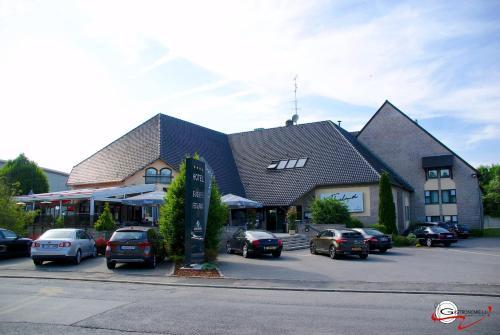 . Threeland Hotel