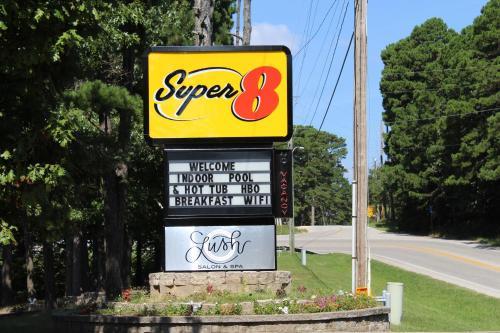 Super 8 By Wyndham Eureka Springs - Eureka Springs, AR 72632